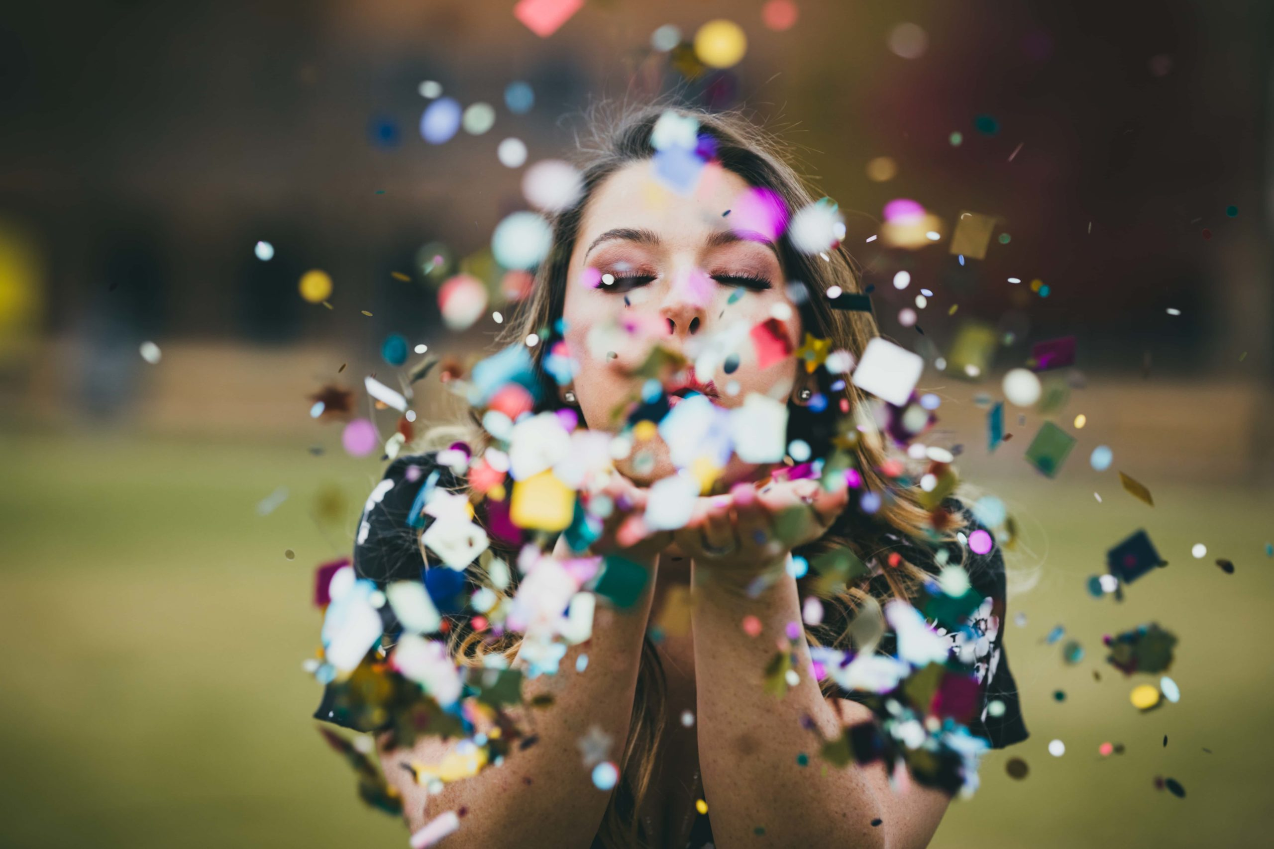 Atlanta Photographer Senior Graduation Pictures Confetti