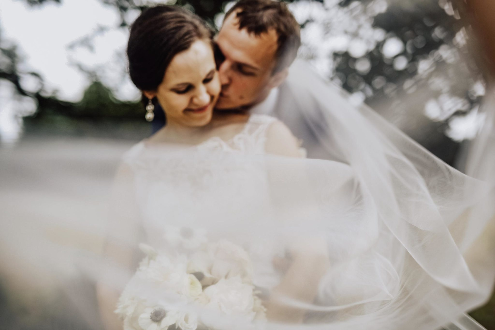 Married! Alexa + Chris {Three Oaks Barn Wedding, LaGrange ...